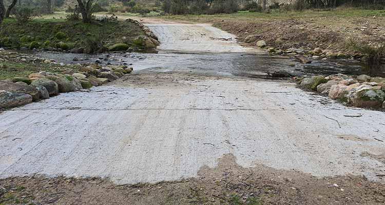 Acondicionamiento-de-cruces-de-caminos-con-El-Arroyo-de-Trofas-en-el-monte-del-Pardo-Madrid-2