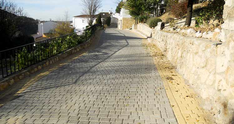 Obras de acondicionamiento de la C/ del Sol y entorno, en la localidad de Olmeda de la Fuentes